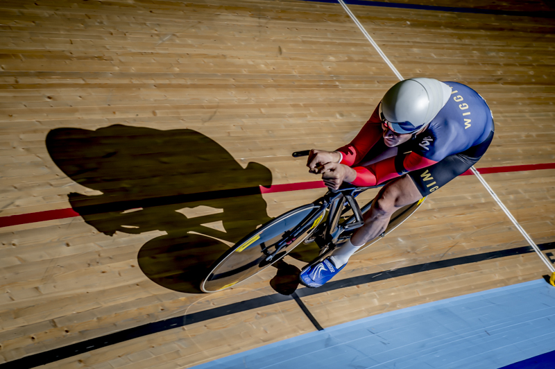 Andy in Wiggins kit, part of a set used by Kurio Compression, London Lee Valley Velodrome 2014 © Crankphoto