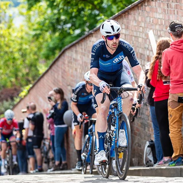 Who doesn't love some cobbles? Some of my fave races take in these masters of pelton destruction. I Love them far more than long climbs that for sure.!What your fave? . . . . . #cobbles #bikeracing #cycling #Lincoln #linconshire #boysinblue #britishsummer #britishcycling #100climbs #powertoweight