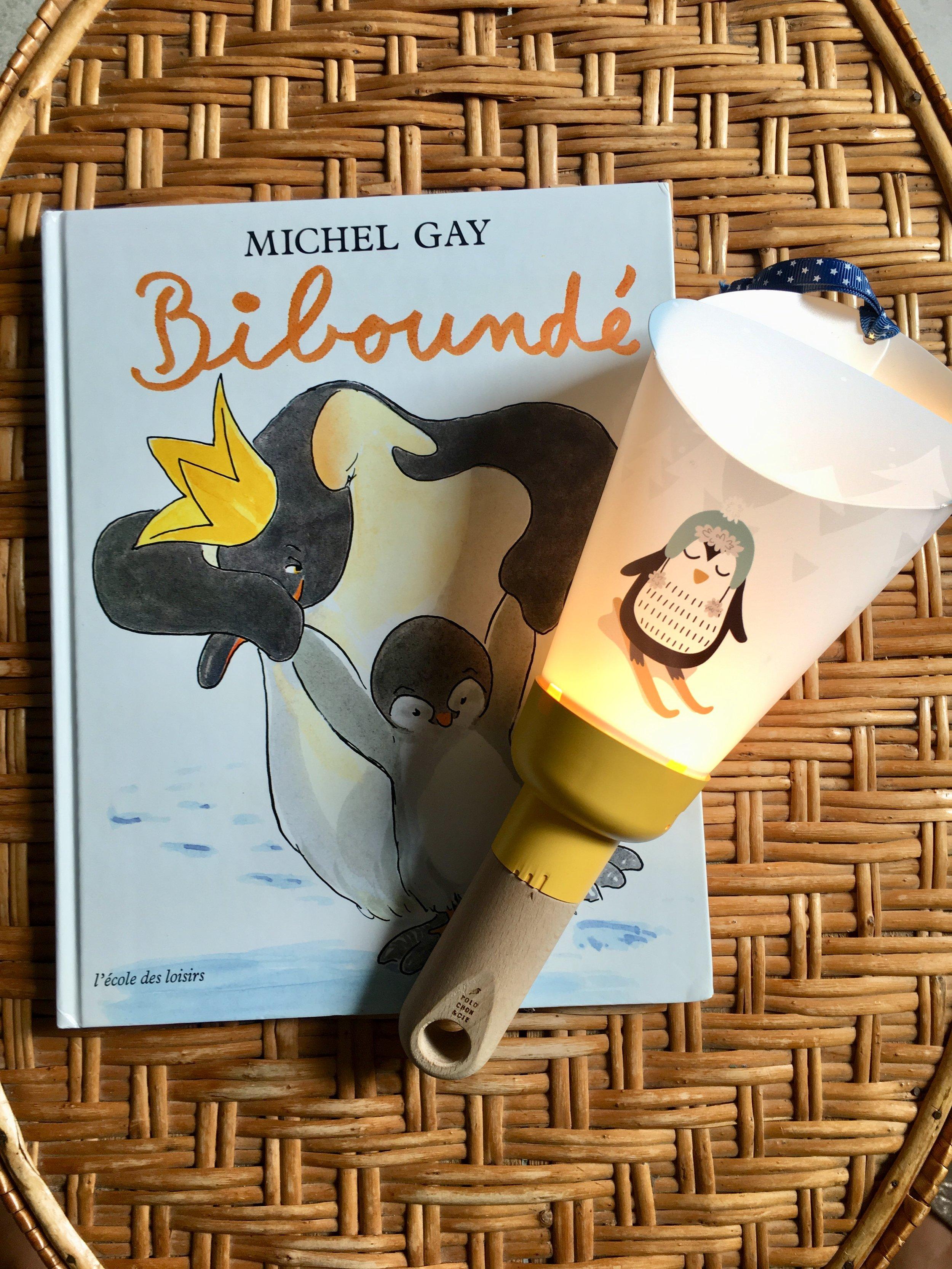 lampe noamde pinguin avec livre.jpg