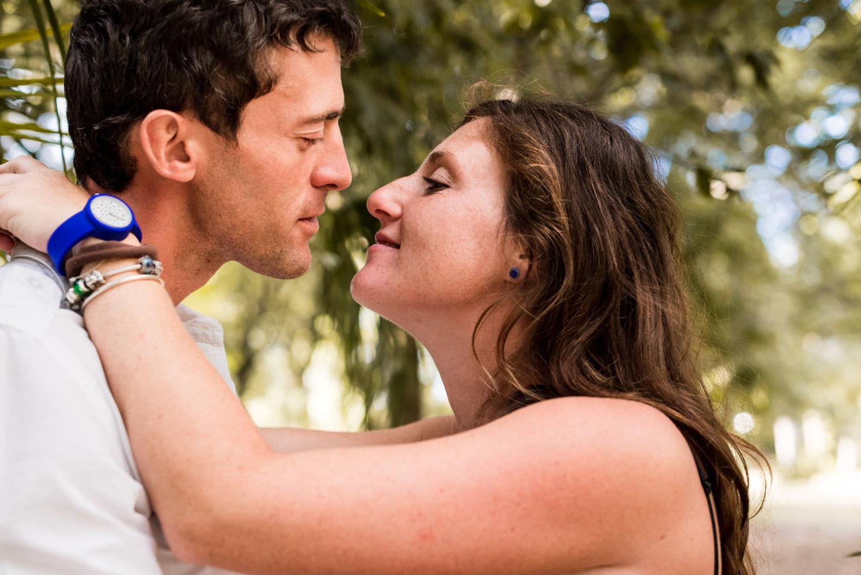bacio-coppia-innamorati-genitori-amore