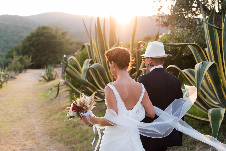 fotografia-sposi-romantico-toscana-colline-tramonto