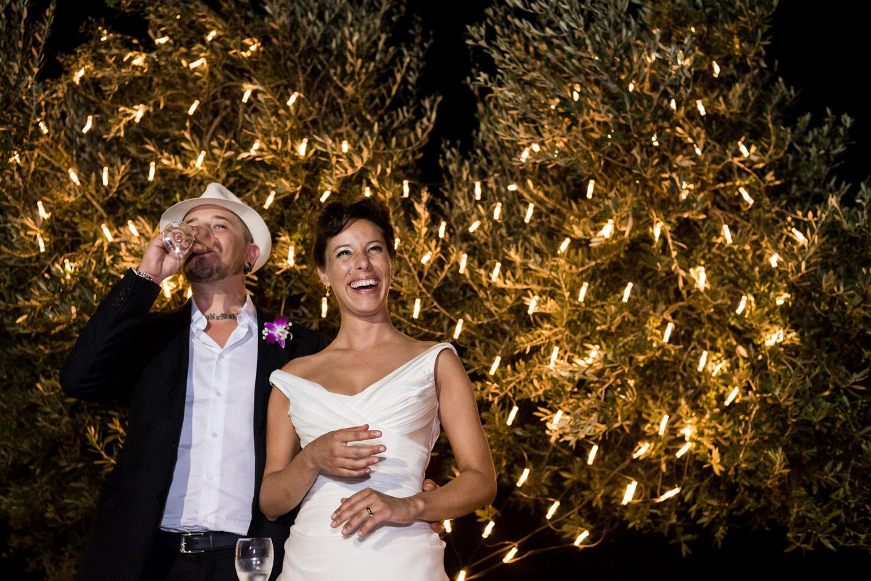 fotografia-sposi-lucine-cuore-brindisi-sorriso