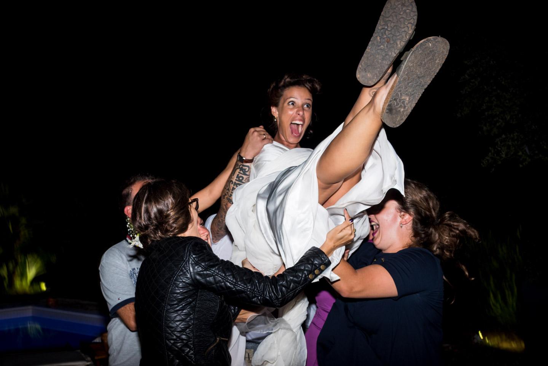 fotografia-festa-matrimonio-allegria-divertimento-sposa-inaria