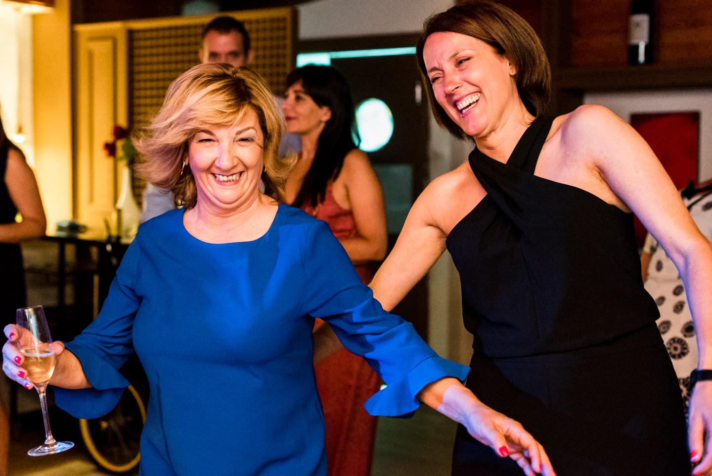 baile-invitados-divertirse-disfrutar