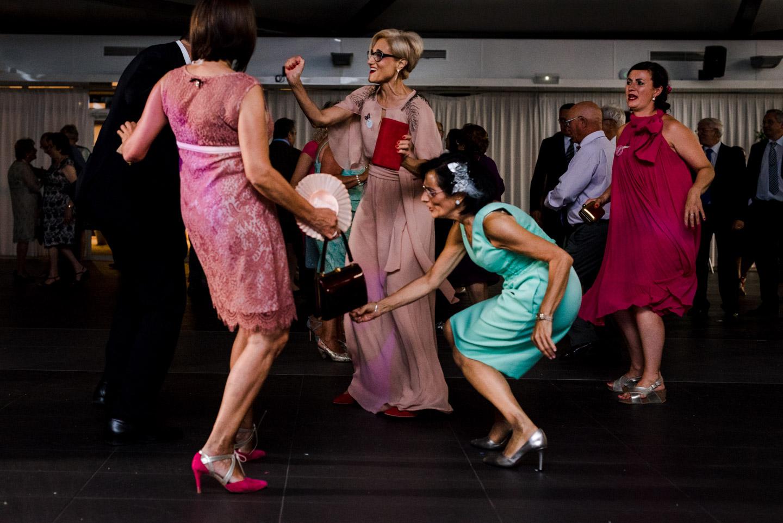 baile-fiesta-movimiento-disfrutar-bailar
