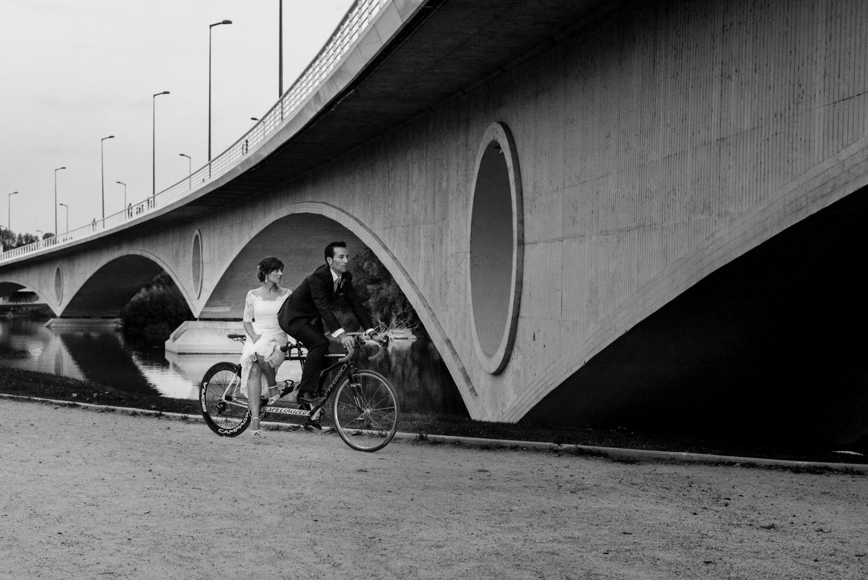 blanco_y_negro-bicicleta-tandem-juntos-novios-quererse