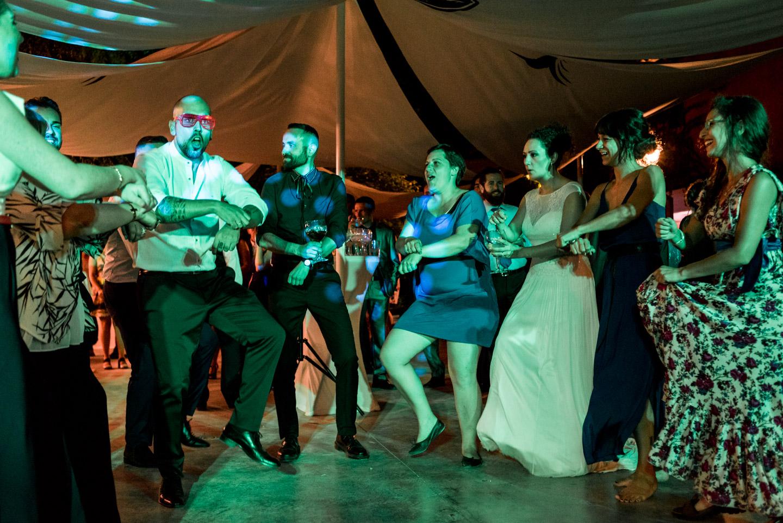 amici-ballo-festa-divertimento-allegria