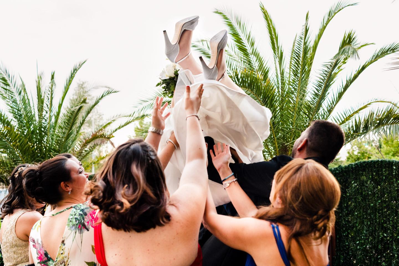 divertimento-allegria-sposa-amiche