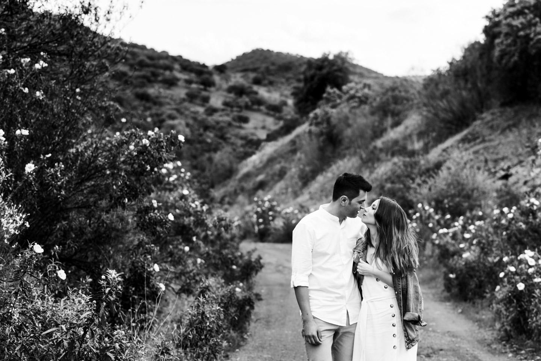 paseando por el campo con el amor de mi vida