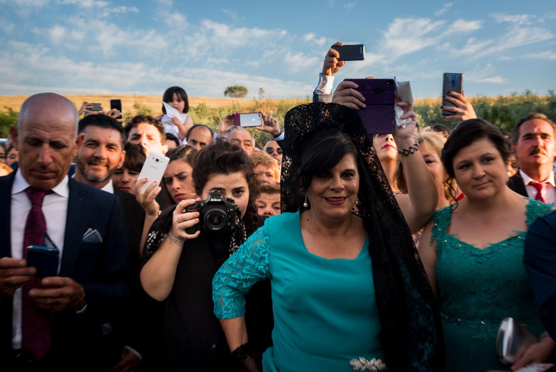 Marghe Mazzanti fotografo a lavoro durante un matrimonio