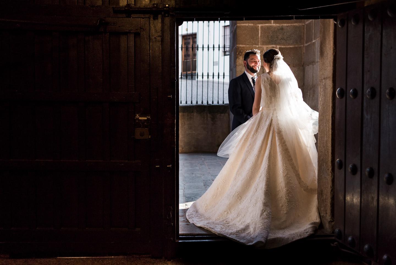 luci e ombre nel reportage di coppia il giorno del matrimonio