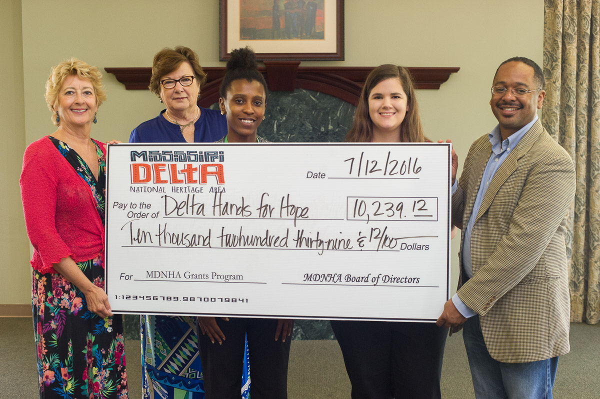Delta Hands for Hope, Shaw, MS  |  Photography and Oral History Program for high school students
