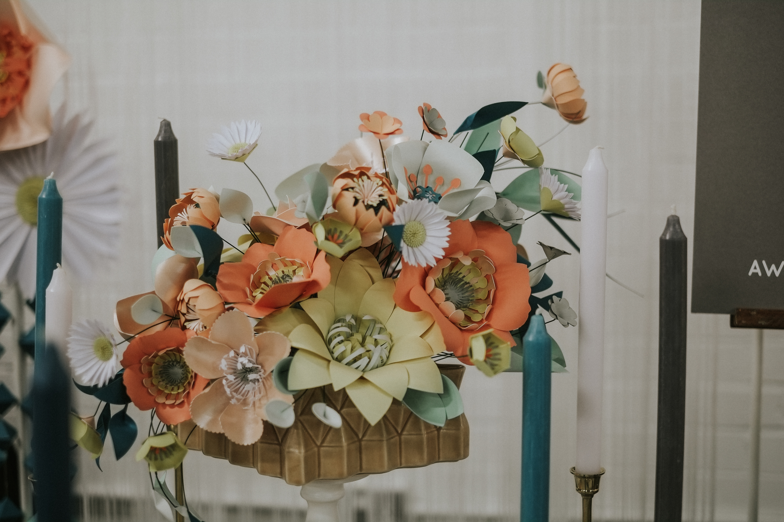 Love love love these intricate hand crafted paper florals from the ever so talented  Things by Laura .