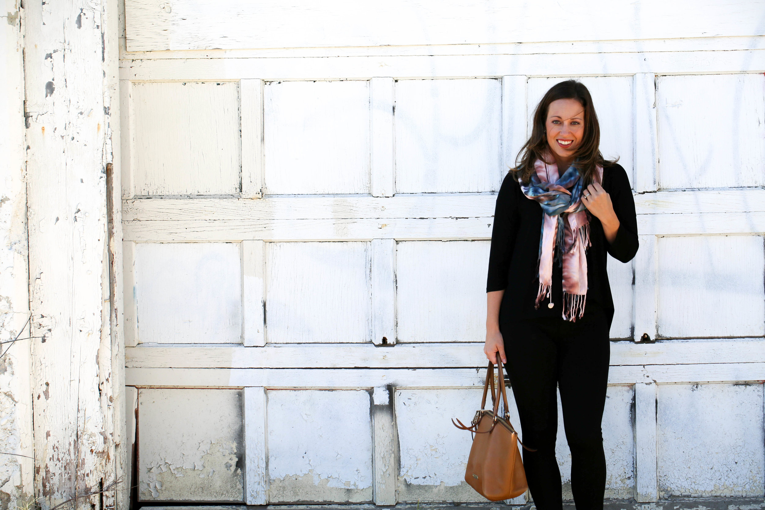 4 ways to tie a scarf, scarves, fall fashion, fall scarves, how to wear tie dye, tie dye fashion, tie dye, fall prints, autumn, best accessories, pop of color, statement piece, outfit of the day,