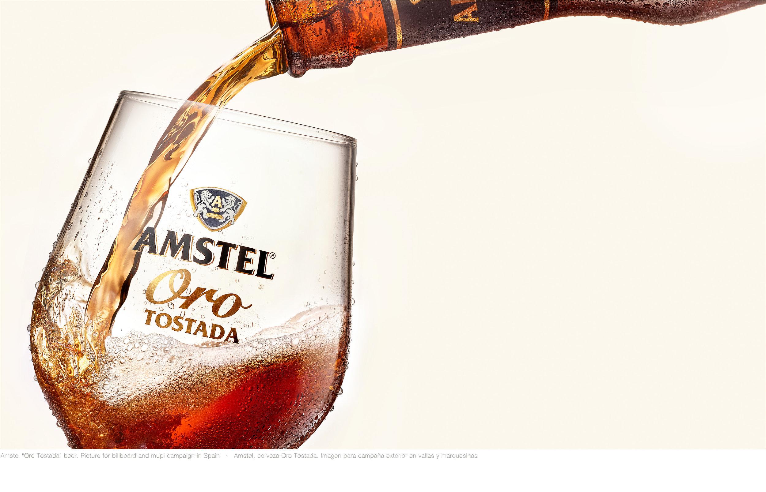 1521-Amstel-Oro-Botella+Copa-Splash-v03.jpg