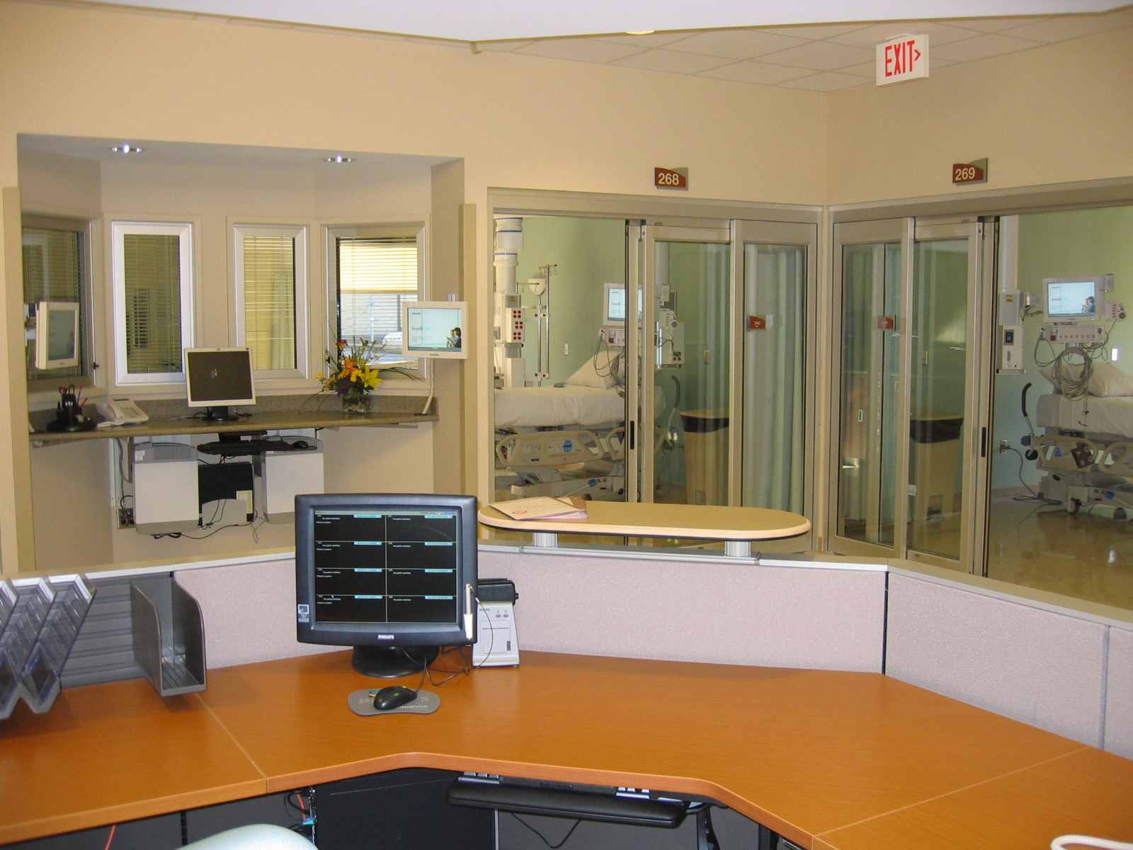 ICU Nurse Station.jpg