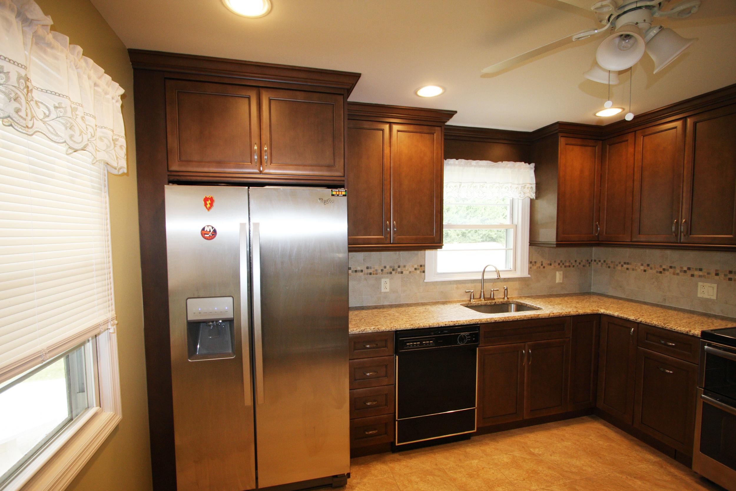 thomas kitchen 003.JPG
