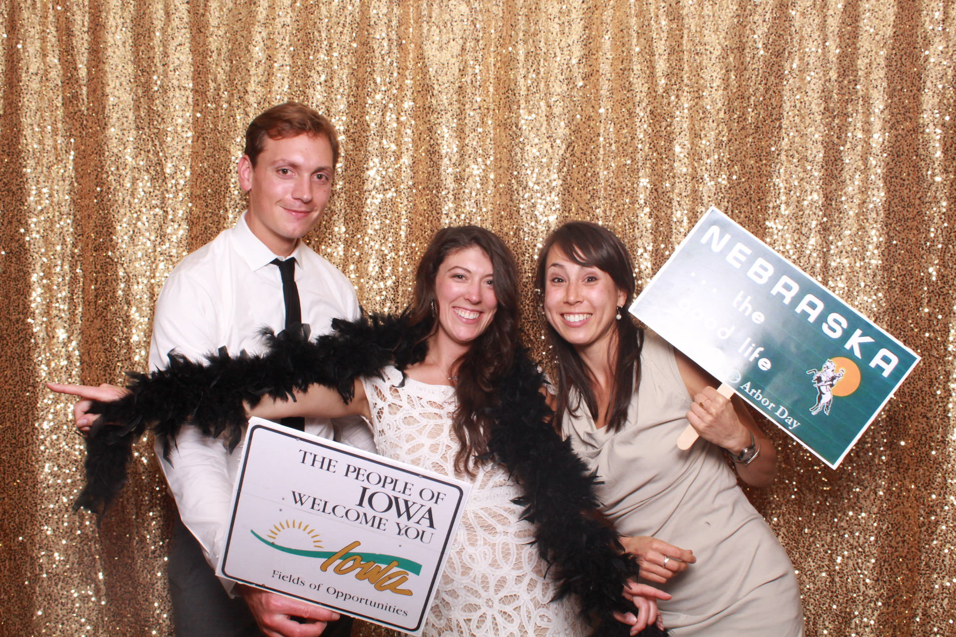 Lauritzen gardens-omaha-nebraska-wedding-snap omaha-photo booth