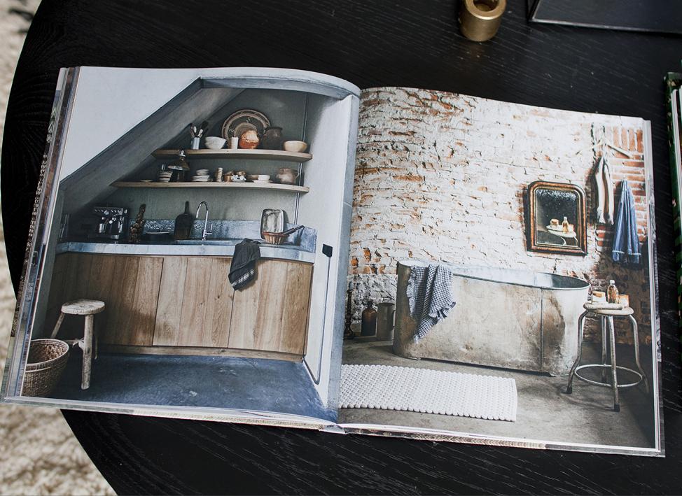 INTERIOR BLOGGER INTERIEUR BLOG THEO-BERT POT THE NICE STUFF COLLECTOR BOOKS MAGAZINE PHOTOGRAPHY 10.jpg