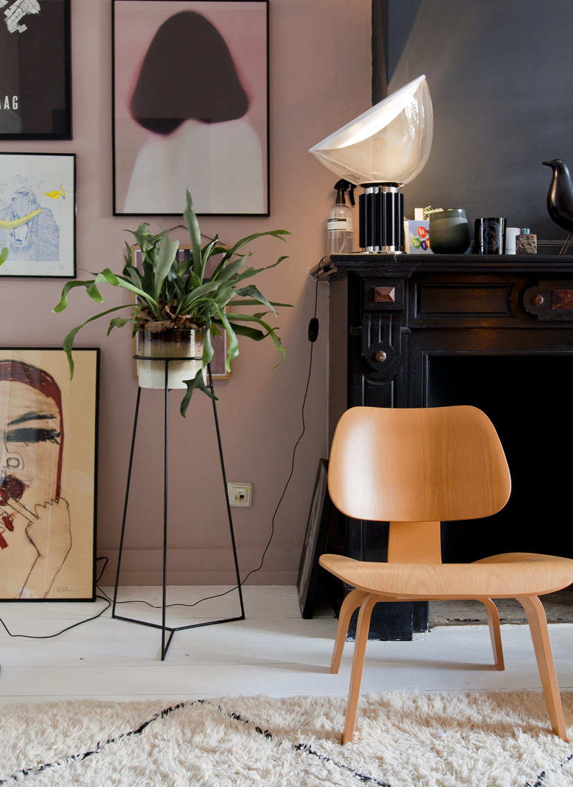 WORKSHOP INTERIEUR STYLING FOTOGRAFIE POT INTERIEUR AXEL THEO-BERT POT THE NICE STUFF COLLECTOR INTERIOR BLOGGER INTERIEURBLOGGER VITRA LOUNGH CHAIR-1.jpg