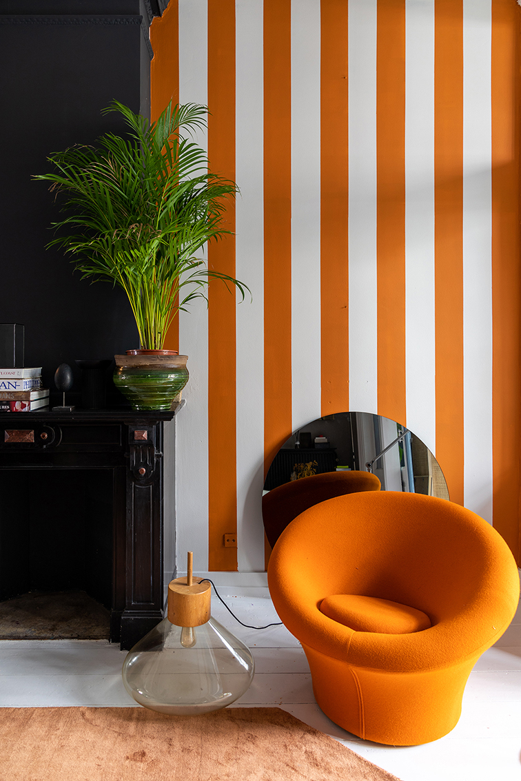 THEO BERT POT STRIPES INTERIOR DESIGN STYLIST STRIJPEN MUUR VERF MAKE OVER BINNENSTE BUITEN THE NICE STUFF COLLECTOR 7.jpg