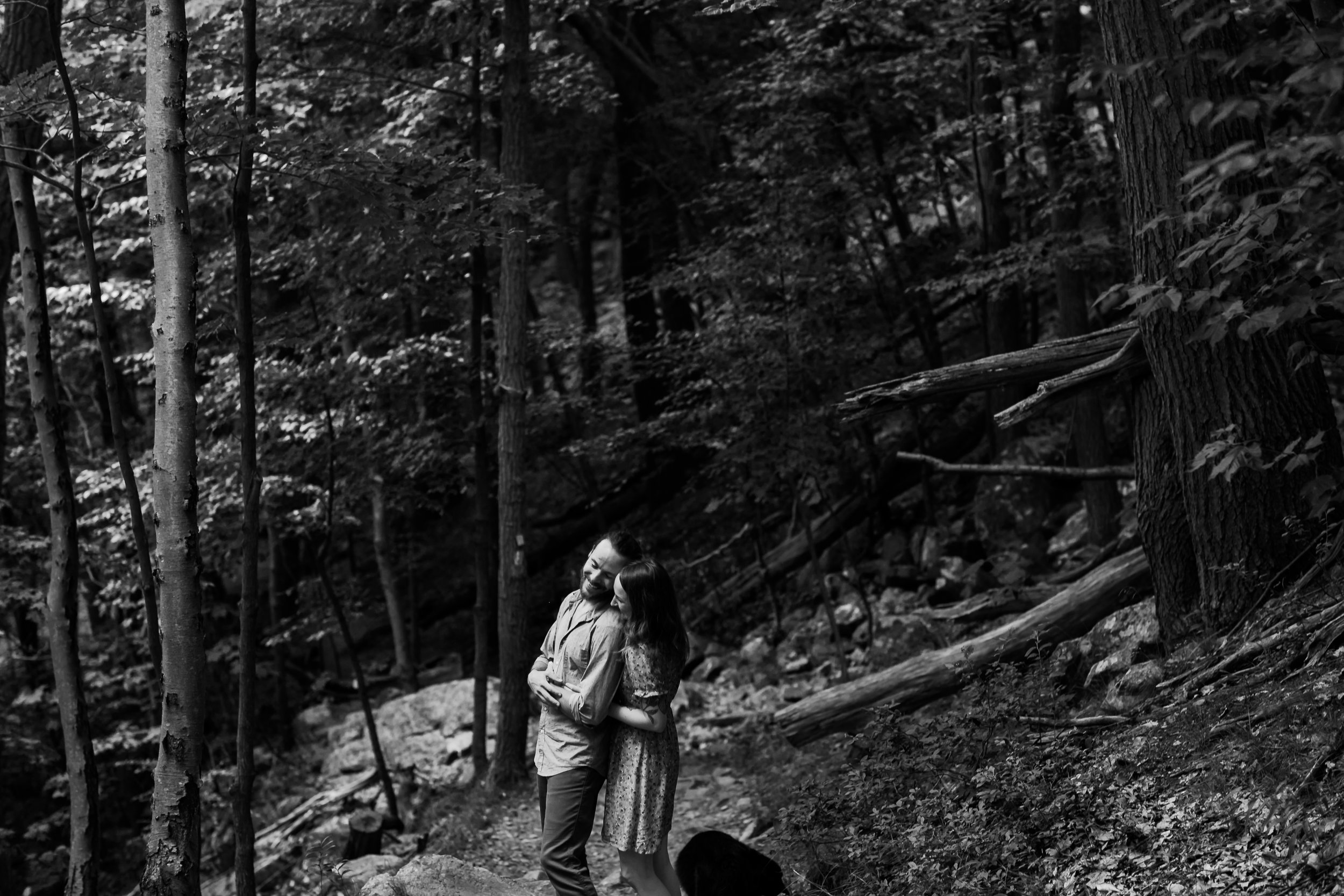 alyssa_justin_esession_bw (13 of 14).jpg