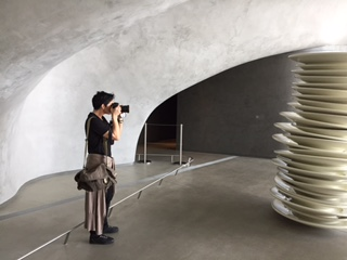 Photographer Natalia Knezevic shoots the plates. She's like a young (female) Julius Schulman.