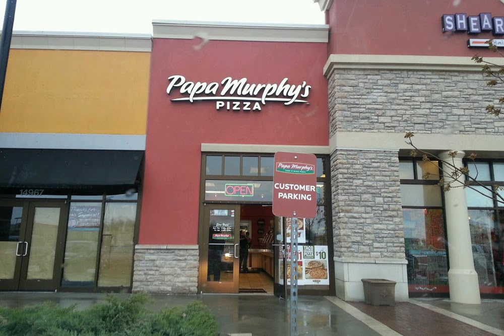 NOW OPEN!! - Papa Murphy's Take 'N' Bake Pizza is proud to announce the opening of their newest location in Overland Park, Kansas.