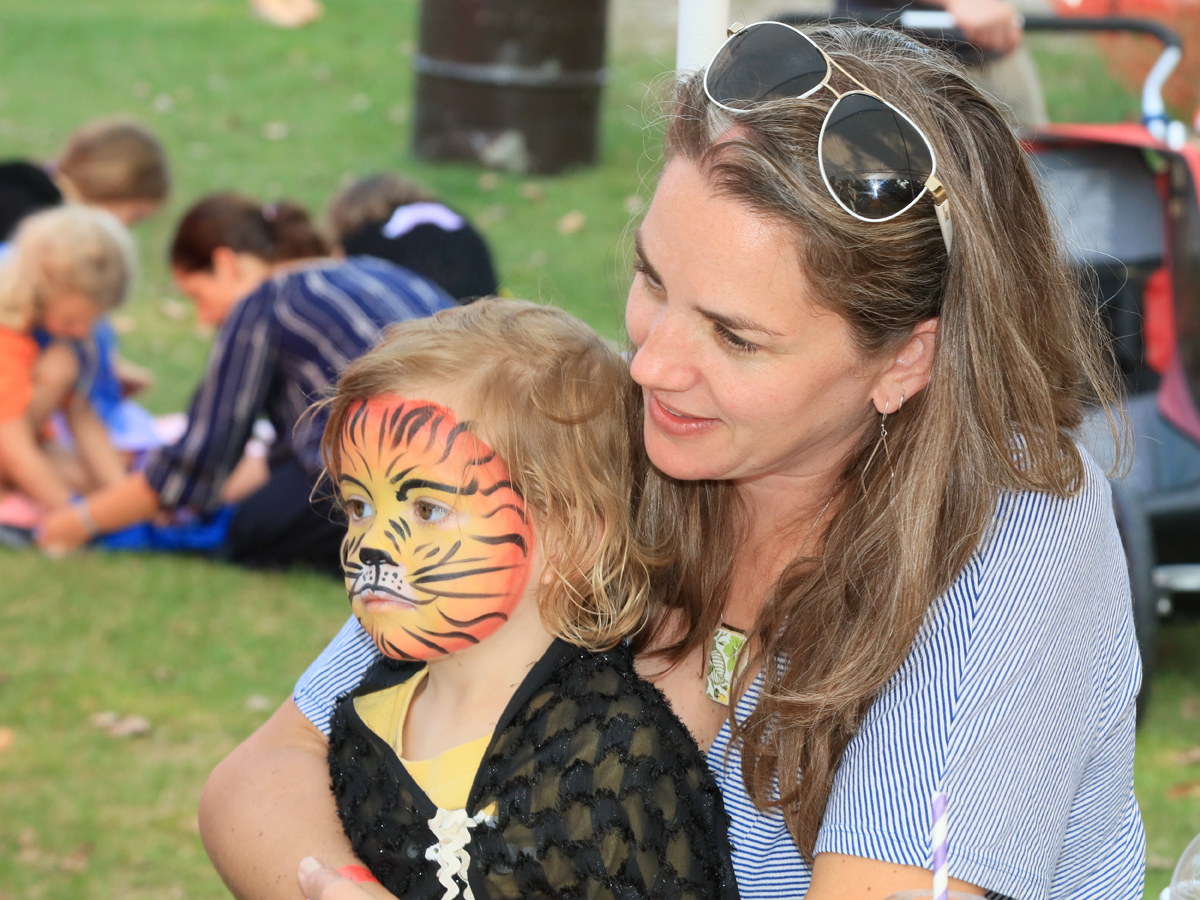 Kids-Face-Paint-SandbanksMusic2017-JohnBrebner.jpg