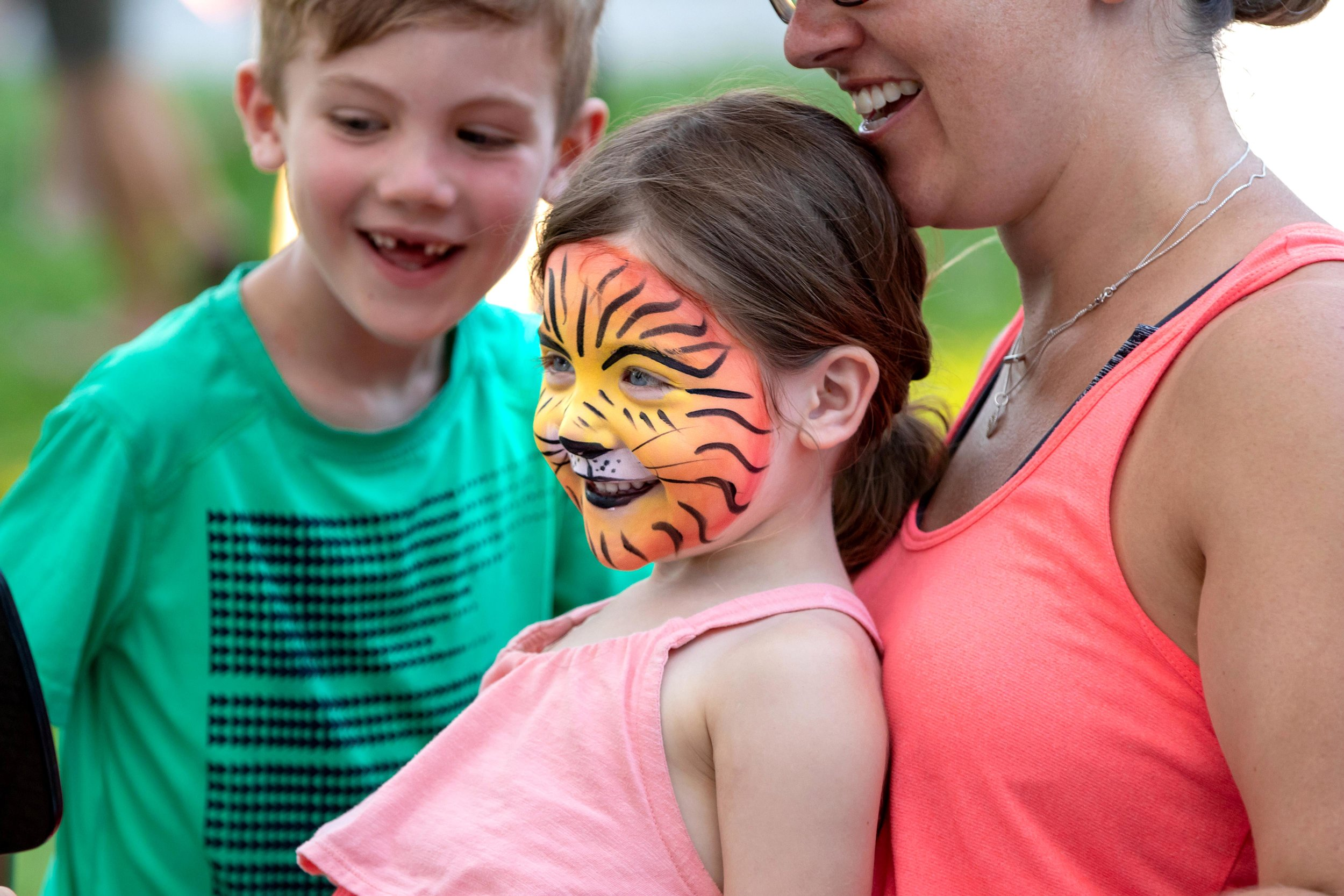 Facepaint1 -Sandbanks MusicFest Sept2018.jpg