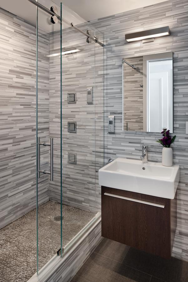 Boy's bathroom Small.jpg