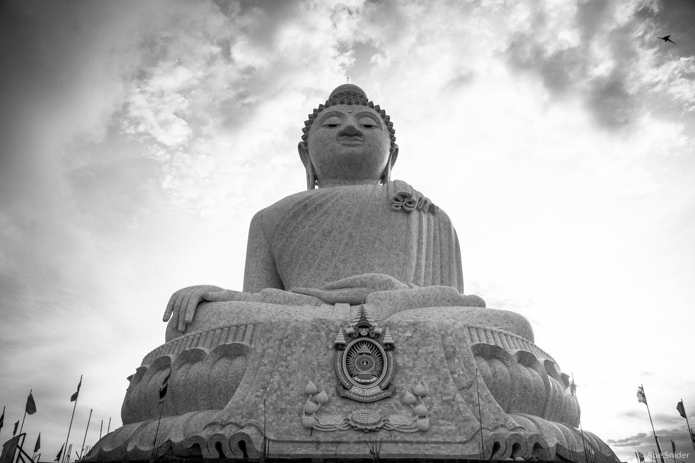 Phra Puttamingmongkol Akenakkiri Buddha