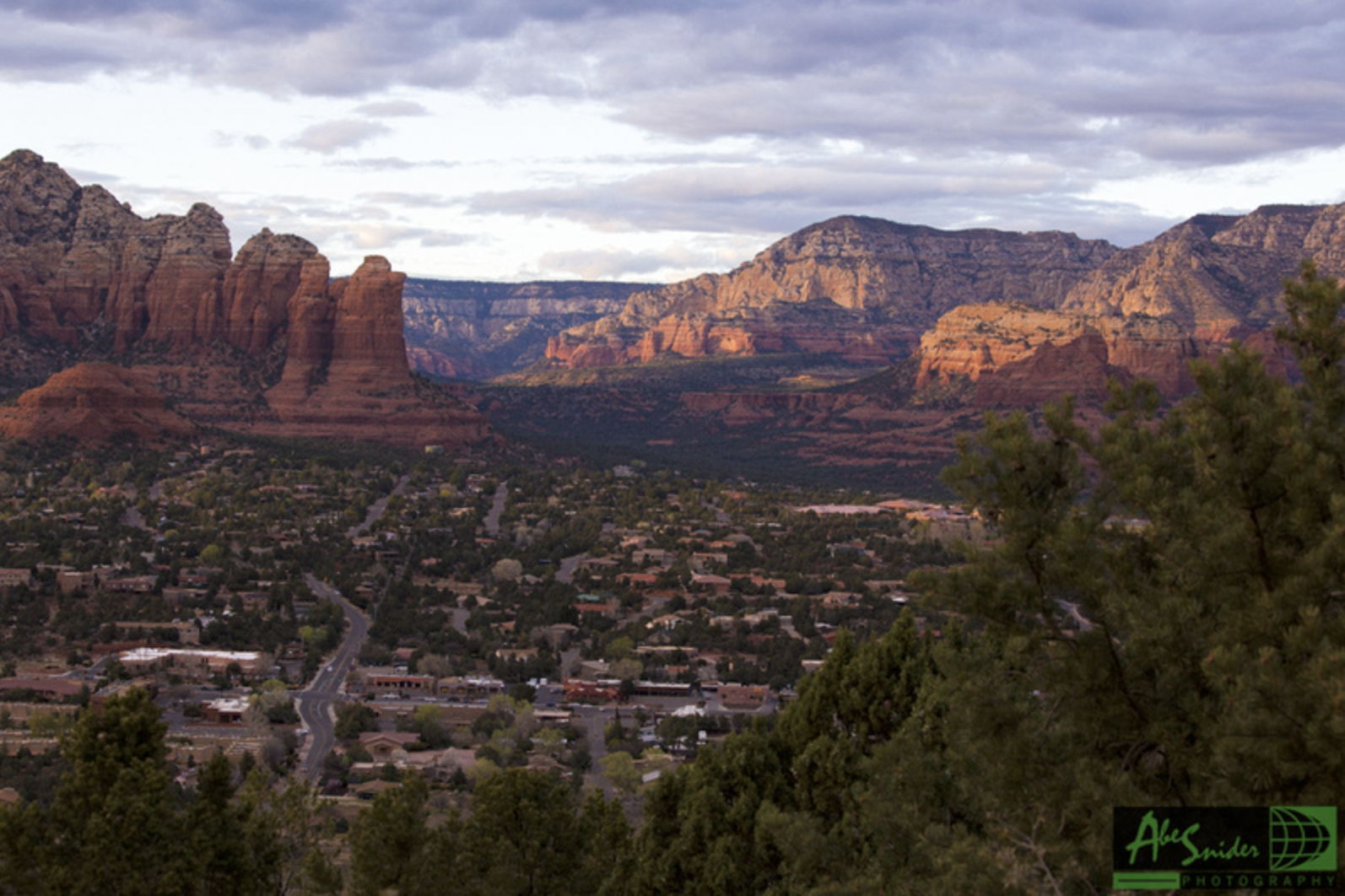 This was taken last week during our day trip down to Sedona, Arizona. It's one of the most magnificent places in Arizona and if you haven't been, stop reading this article and go there.
