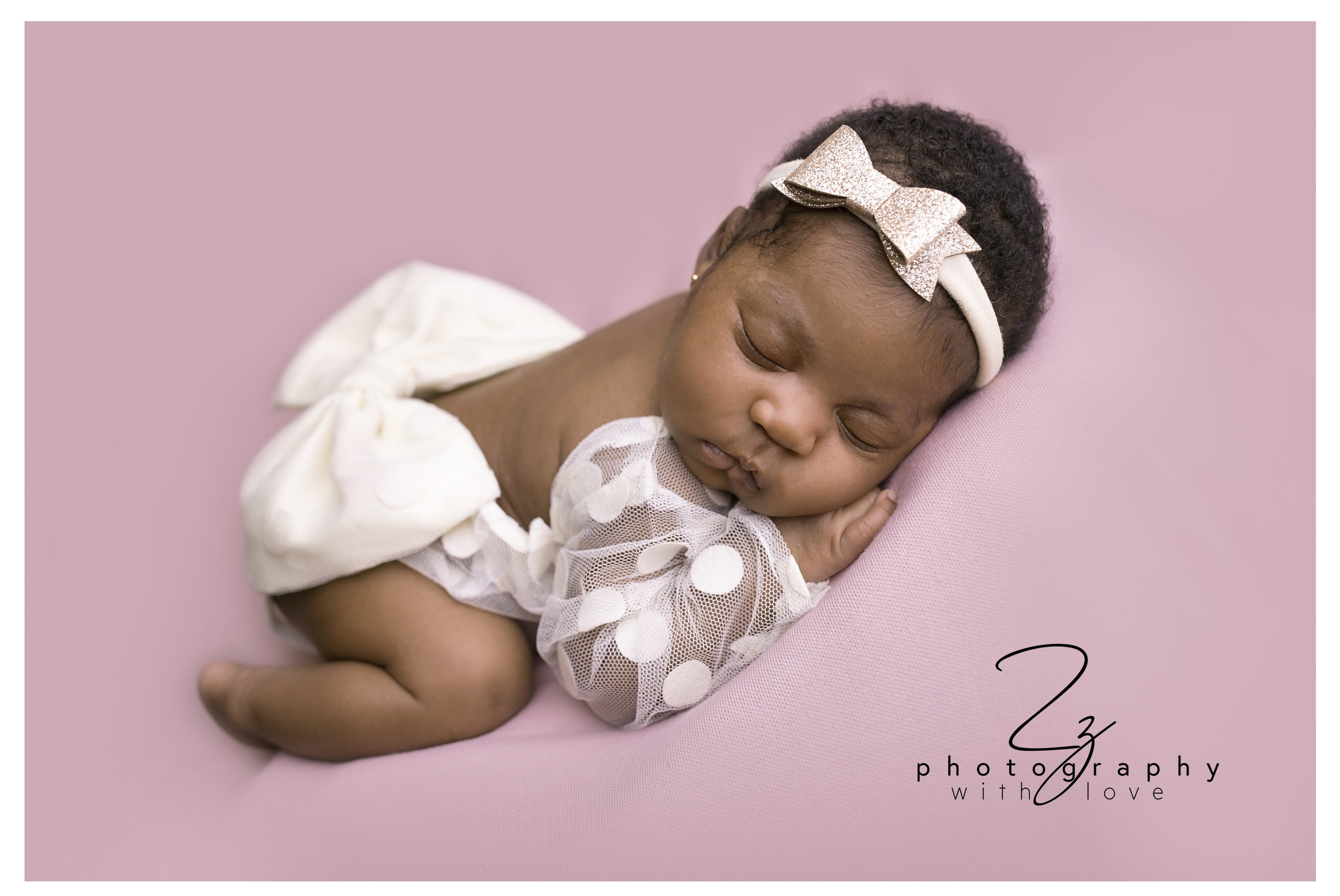 baby girl princess bow newborn photographer exeter