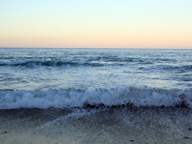 calm peaceful waves