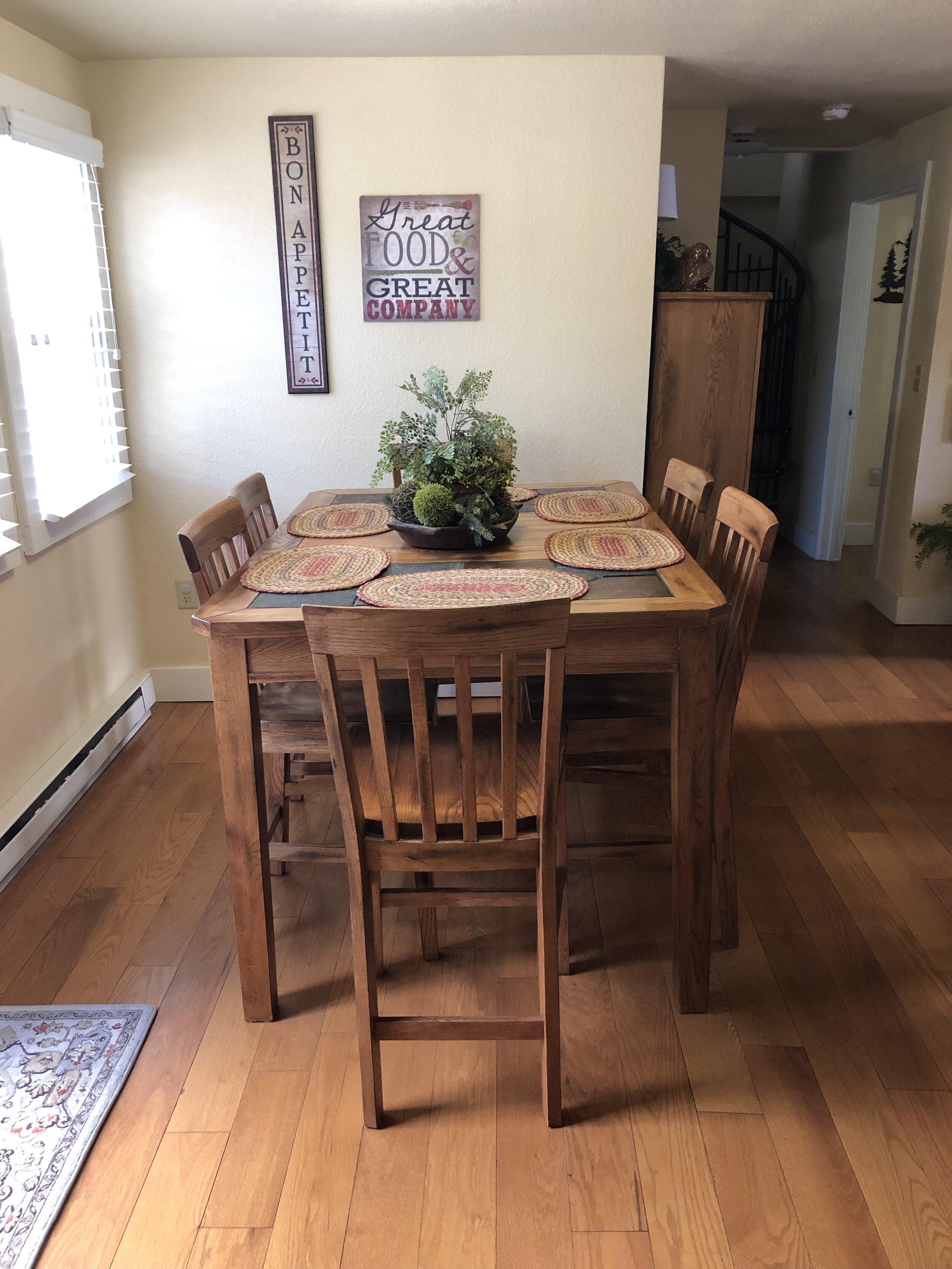 Virginia House - Dining