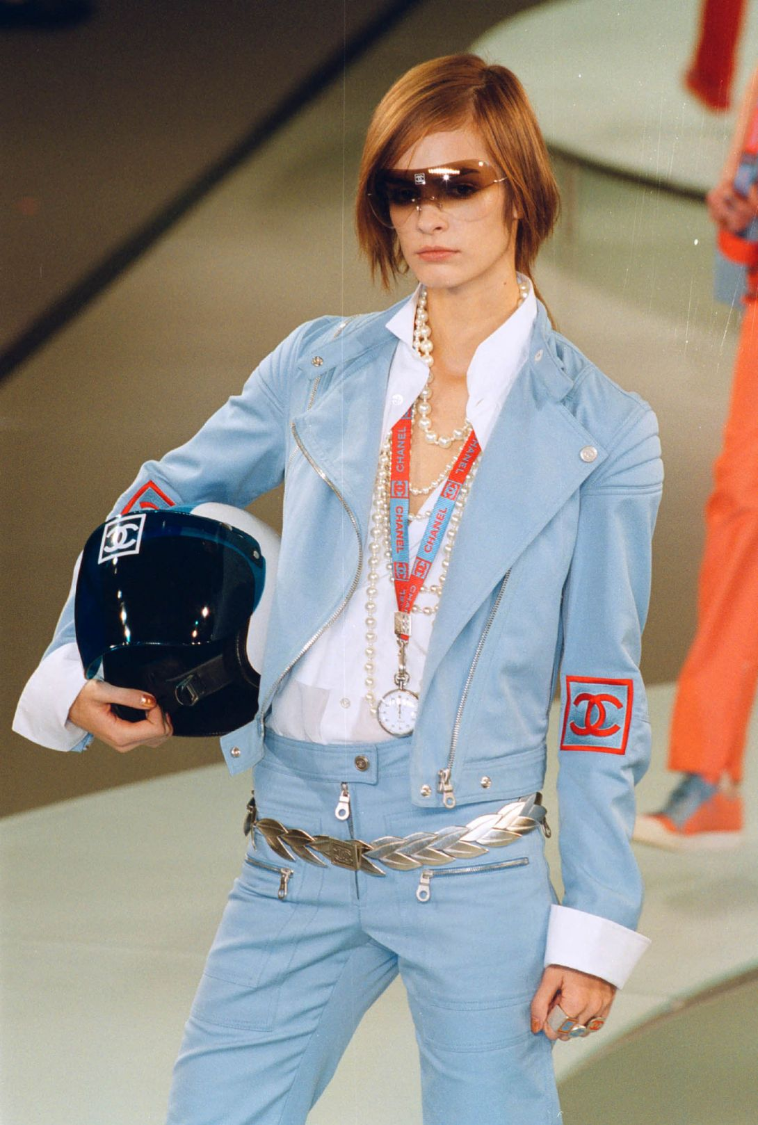 Chanel Spring 2002 Ready-to-Wear