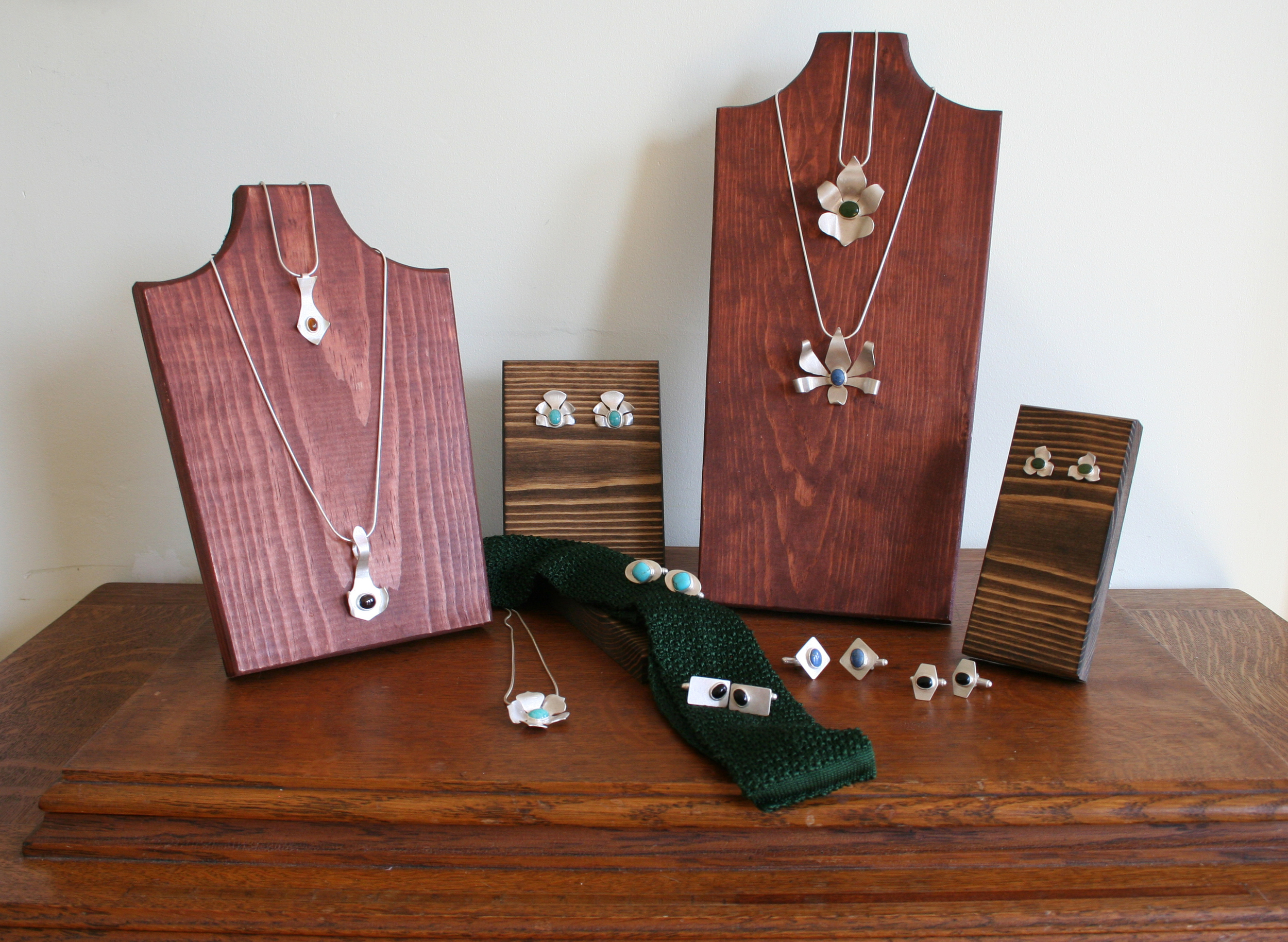 JEWELRY DISPLAY .jpg