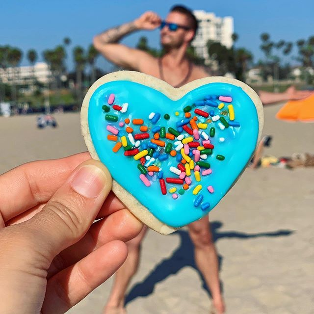 When you are what you eat 💙 Dress in REMIXED at your next beach picnic 🏖 or red carpet event 💃 Our styles aren't only trendy, but very delicious 🍪 SHOP on our website to place your order [⛓ in bio] #vegan #heart #cookies #santamonica #lafoodie #eaterla #eeeeeats #glutenfree #feedfeed #la