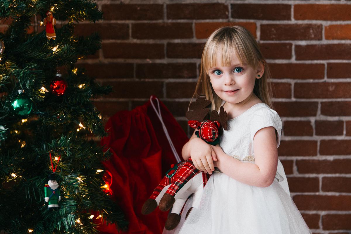 Evie Christmas_2016-11-13-8.jpg