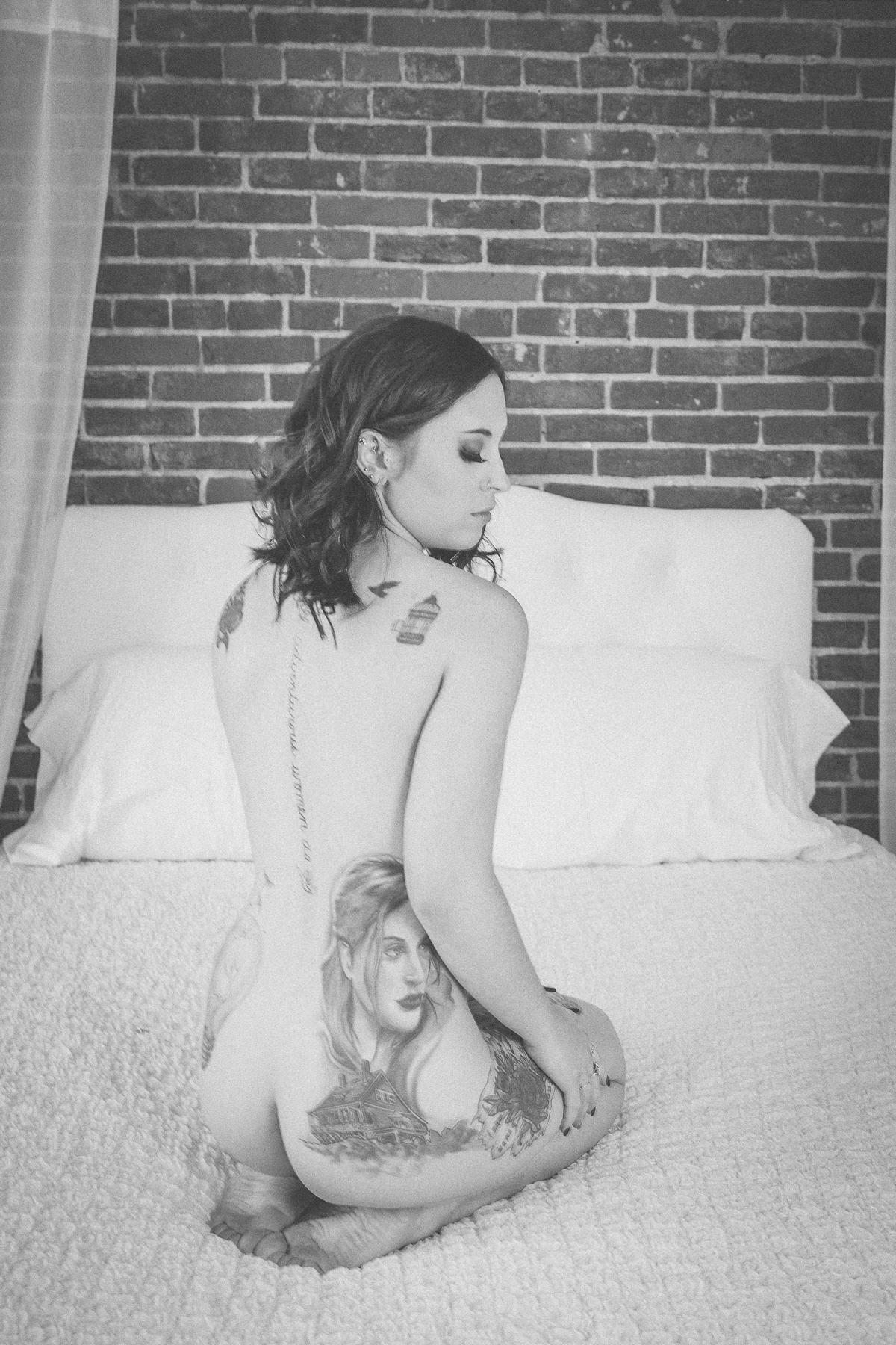 Holly Boudoir-1.jpg