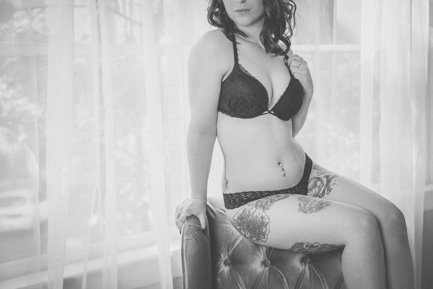 Holly Boudoir-10.jpg