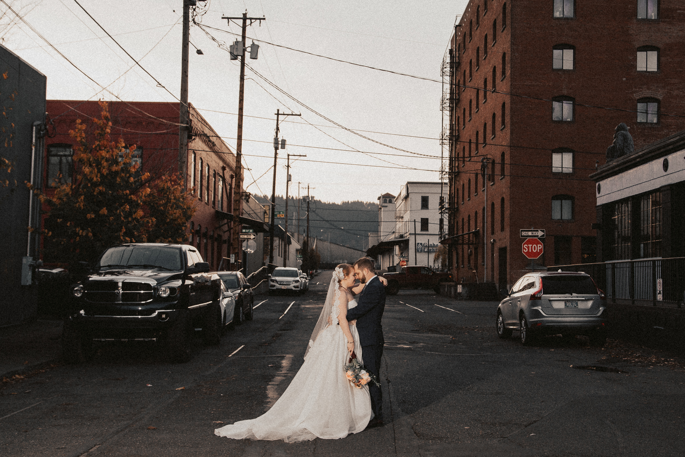 Sample gallery: Castaway Portland wedding -