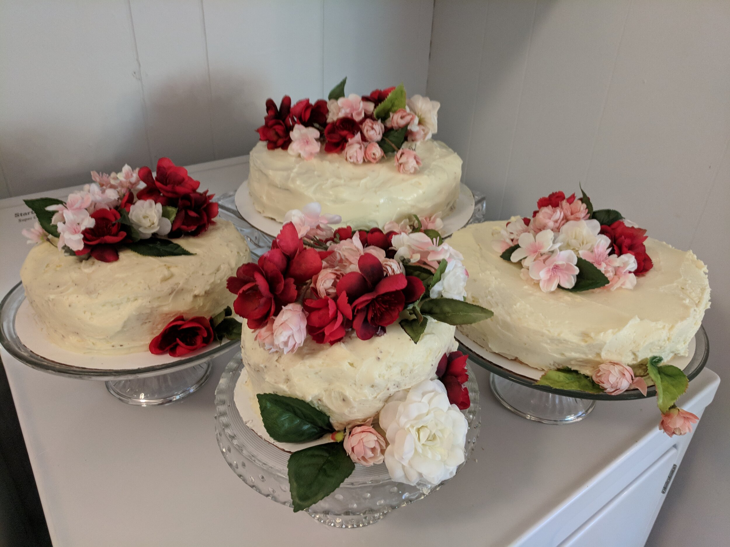 Rounded out the month on a sweet note - Dave and I made the wedding cakes. The dryer-top display was only temporary, I promise!