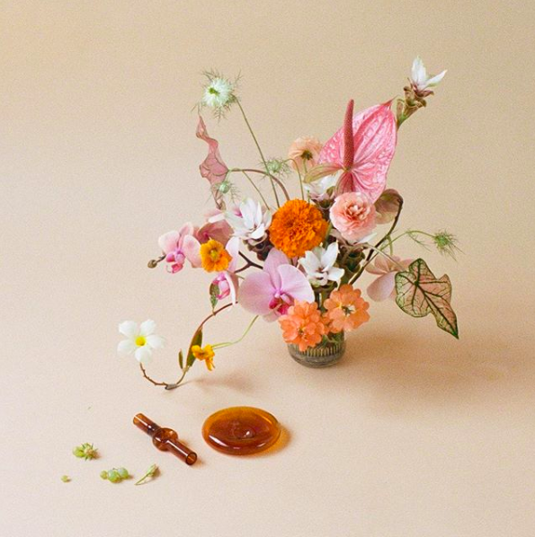 Image via    Instagram   , shot by    @goodgirlnoproblem    with floral design by    @carmelfloral
