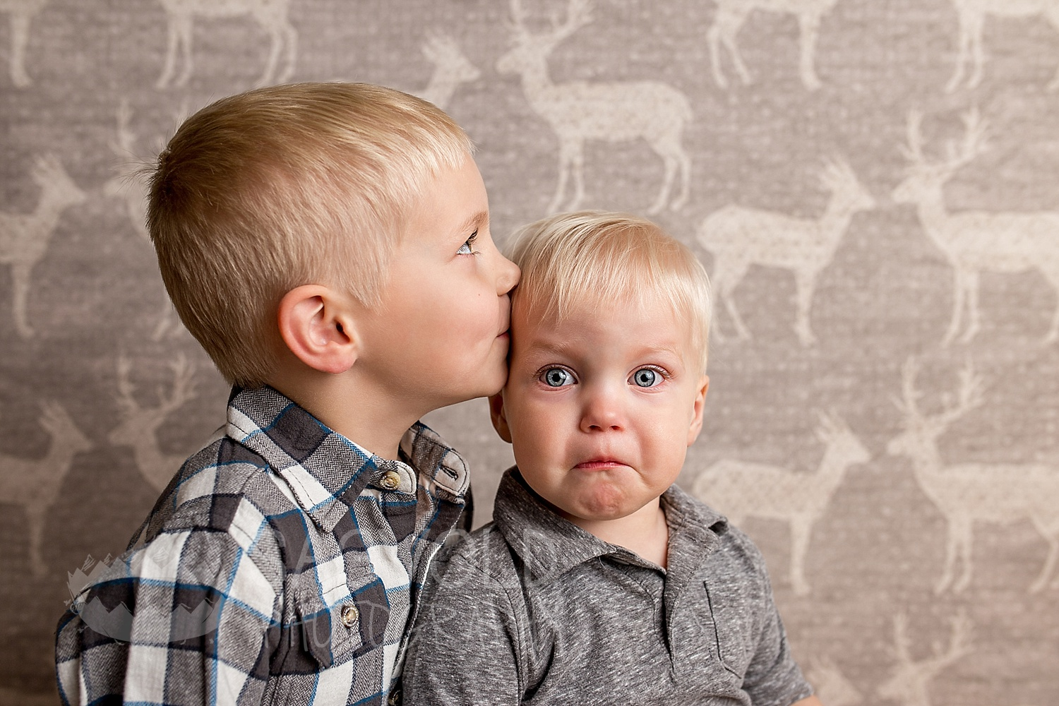 Brother picture Fargo ND child photographer Janna Sagvold Photography