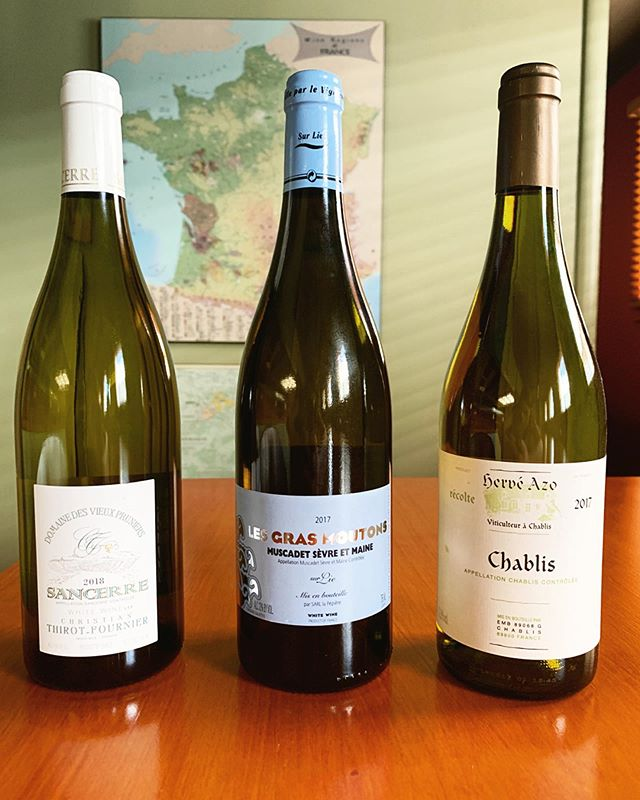 Tonight's Friday Night Flight: French Whites! Stop by the shop between 5pm and 7pm to taste with us. • • • #wine #winetasting #wineflight #fridaynightflight #sancerre #muscadet #chablis #farmwine #beauneimports #louisdressner #santacruz #downtownsantacruz