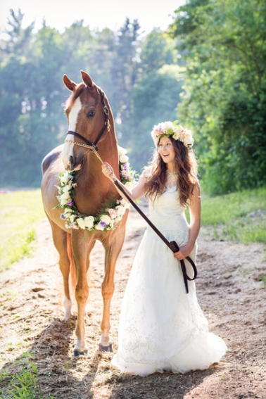 tracey-buyce-photography-bride-with-horse57.jpg