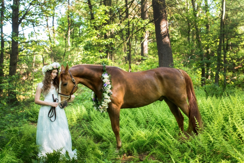 tracey-buyce-photography-bride-with-horse59.jpg