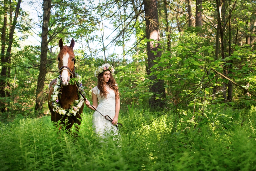 tracey-buyce-photography-bride-with-horse63.jpg